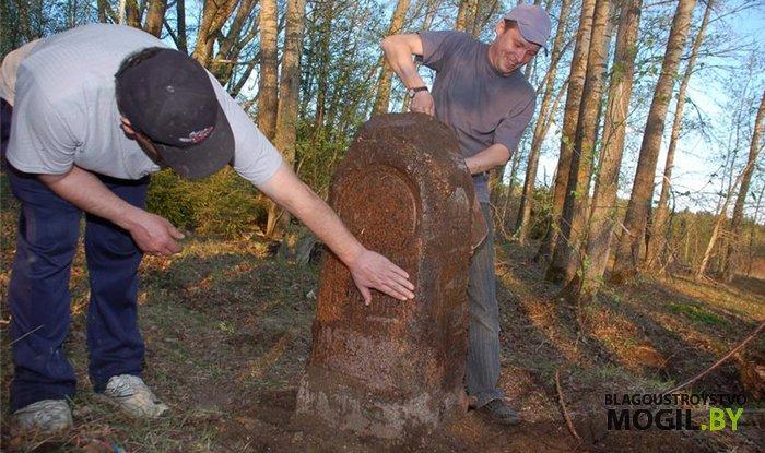 чистка гранитного памятника