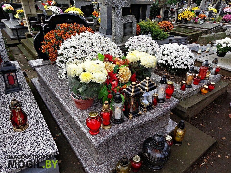Какой камень выбрать для надгробия?